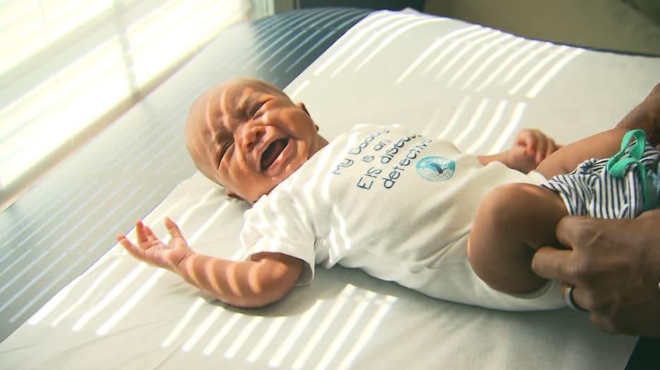 دراسة: فطام الطفل مبكراً يزيد من احتمال سمنته مستقبلاً