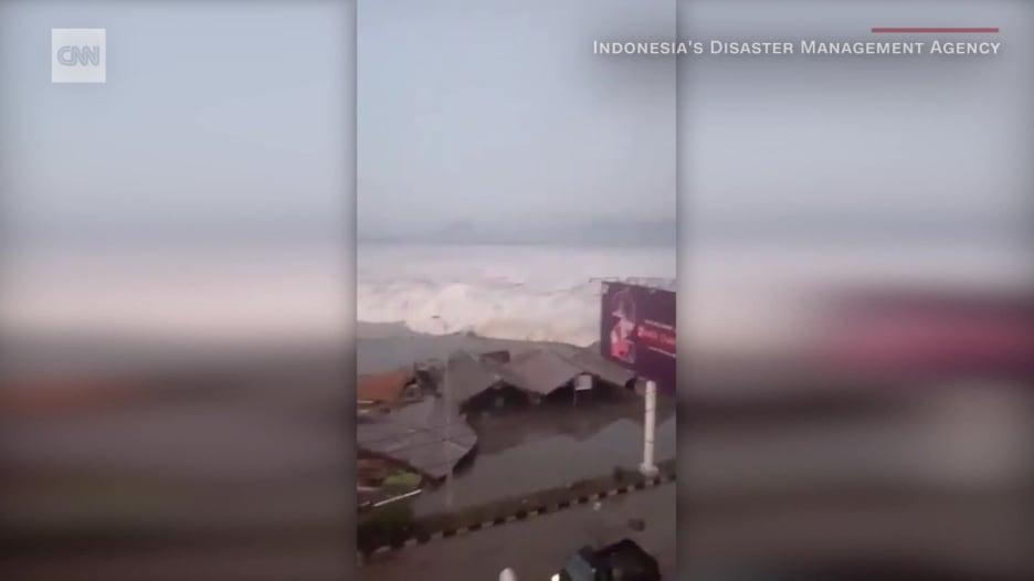 180928195131-indonesia-earthquake-tsunami-palu-orig-mg-00000711.jpg