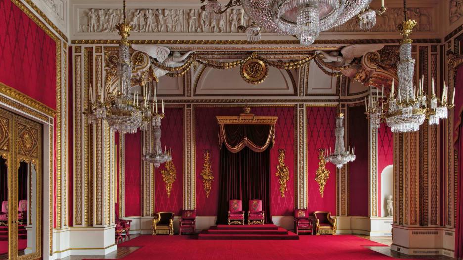 أبواب سرية  وخزانة ملكية.. ما خلف أبواب قصر باكنغهام؟