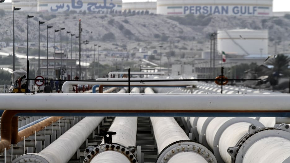 قبل أيام من العقوبات على النفط الإيراني.. إلى أين تتجه صادرا