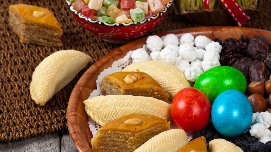 """ما هي الحلويات التي تزيد موائد أذربيجان في عيد """"نوروز""""؟"""
