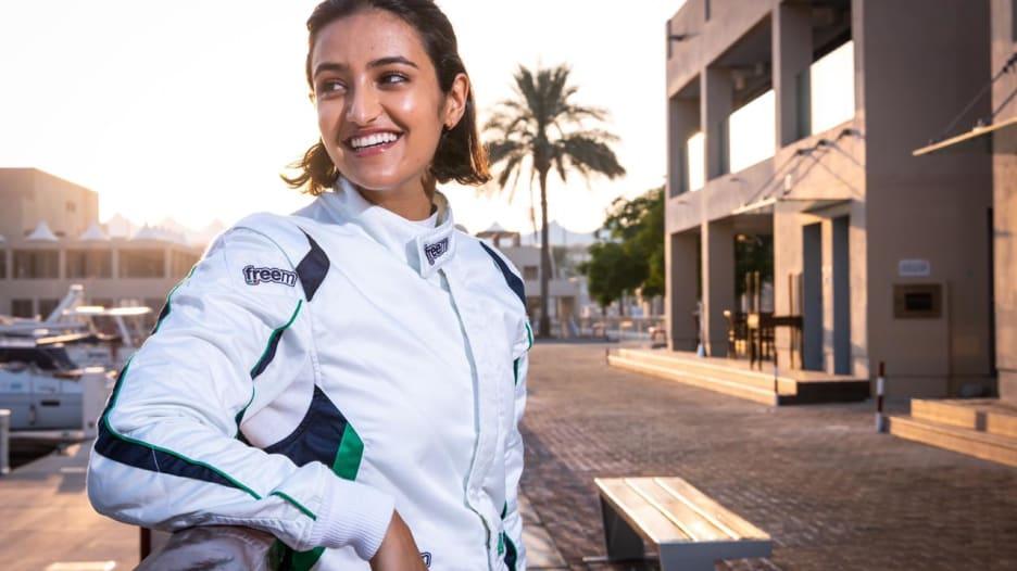 استبدلت مهنتها بحلبة السباق.. من هي السعودية ريما الجفالي؟