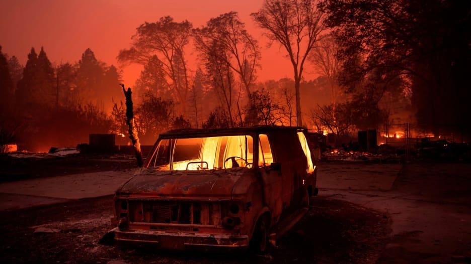 عدة قتلى في 3 حرائق غابات في كاليفورنيا