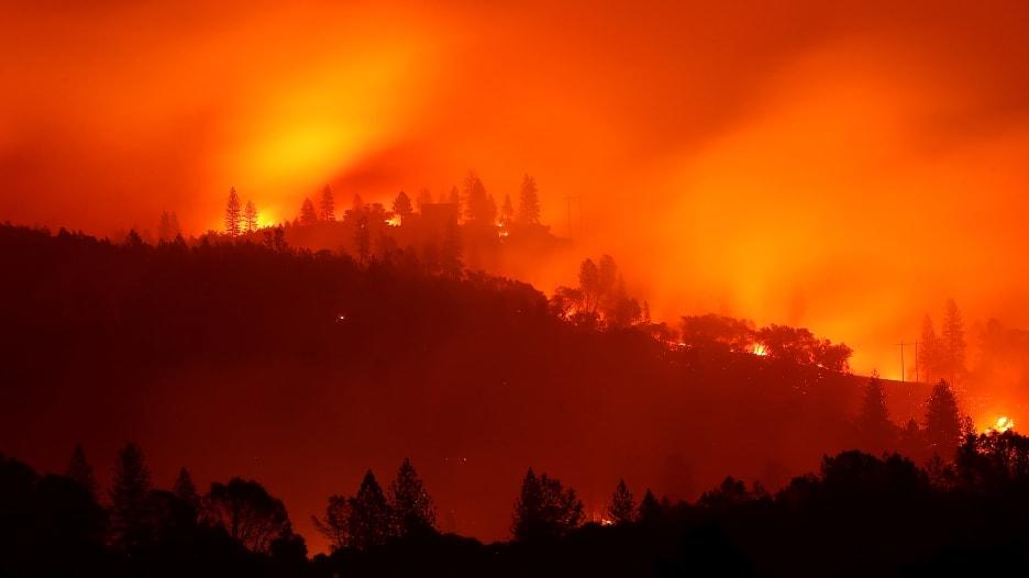 الأعنف بتاريخها.. حرائق كاليفورنيا تسجّل أرقاما قياسية قاتمة
