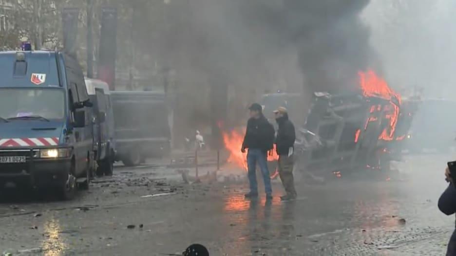 اشتباكات بين الشرطة الفرنسية ومحتجين ضد ارتفاع أسعار الوقود