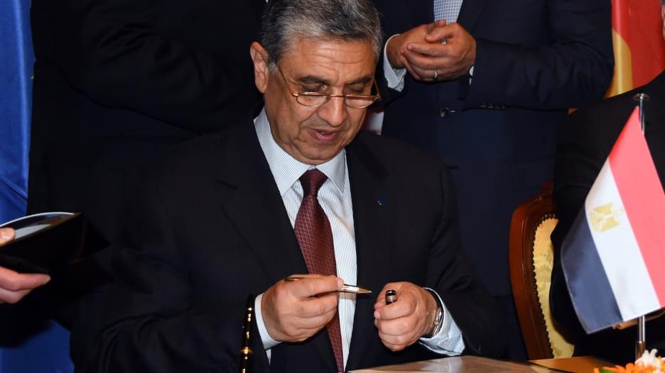 وزير لـCNN: تنفيذ الربط الكهربائي بين مصر والسعودية في 2019