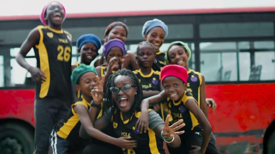 الرقص يغير حياة أطفال نيجيريا.. على يد هذه الشابة