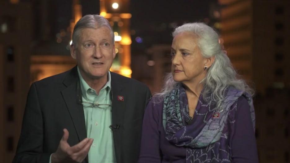والدا صحفي أمريكي مختفي بسوريا من 6 سنوات يواصلان رحلة البحث