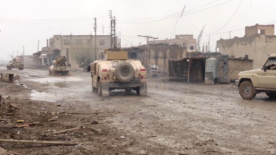 """مشاهد حصرية للمعارك ضد داعش بـ""""هجين"""" السورية"""