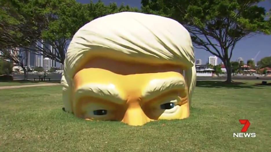قصة هذا المجسم الغريب لدونالد ترامب في أستراليا؟