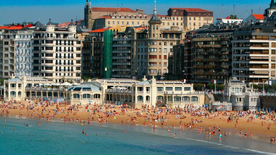 ما هي أفضل 8 شواطئ أوروبية تستحق زيارتها؟