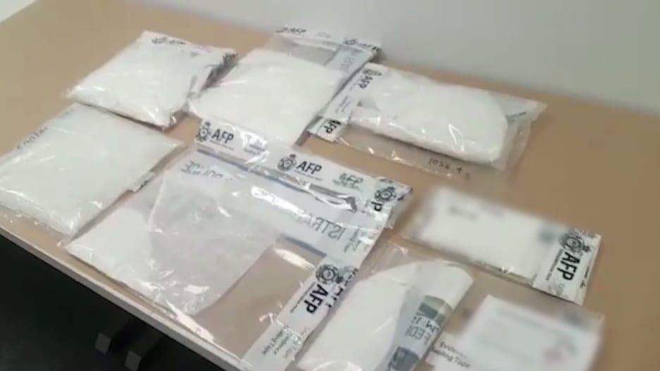 الشرطة الأسترالية تعتقل طاقم طائرة لتهريبهم مخدرات بملايين ا