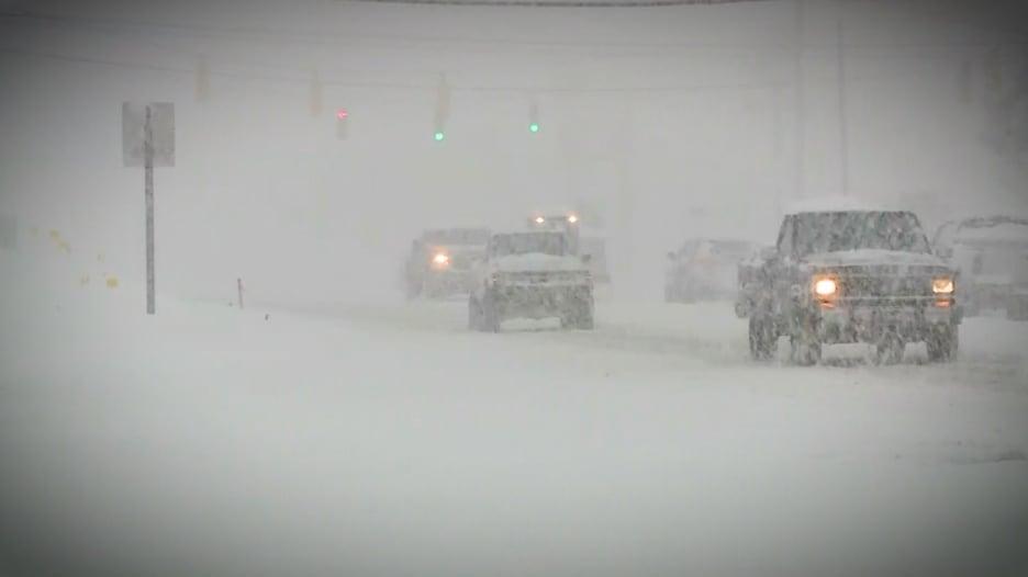 ما الفرق بين الطقس والمناخ؟ ولمَ تتساقط الثلوج رغم الاحتباس؟