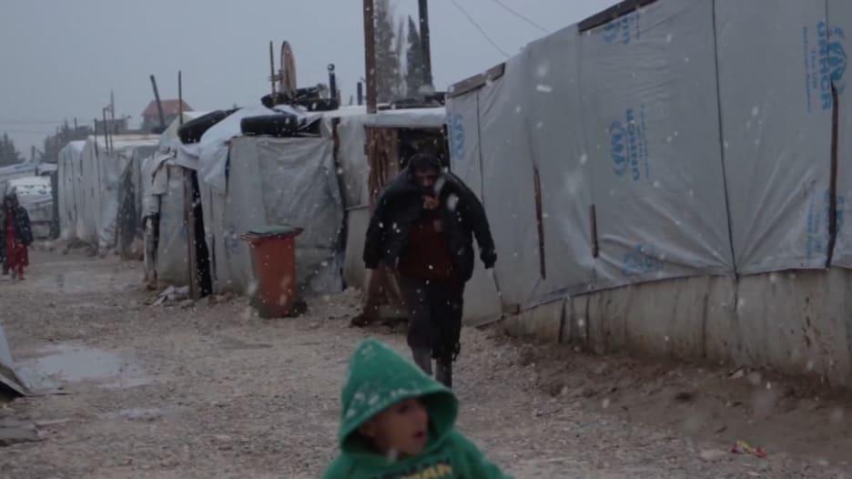 الطقس القاسي ودرجات الحرارة المتجمدة يؤثران على اللاجئين في لبنان