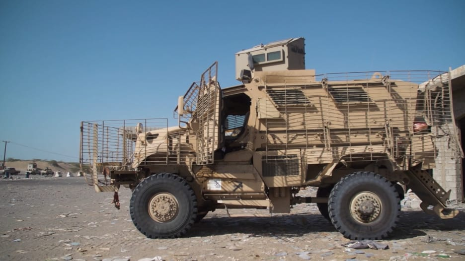 تحقيق لـCNN.. كيف وصلت الأسلحة الأمريكية إلى الحوثيين والقاعدة باليمن؟