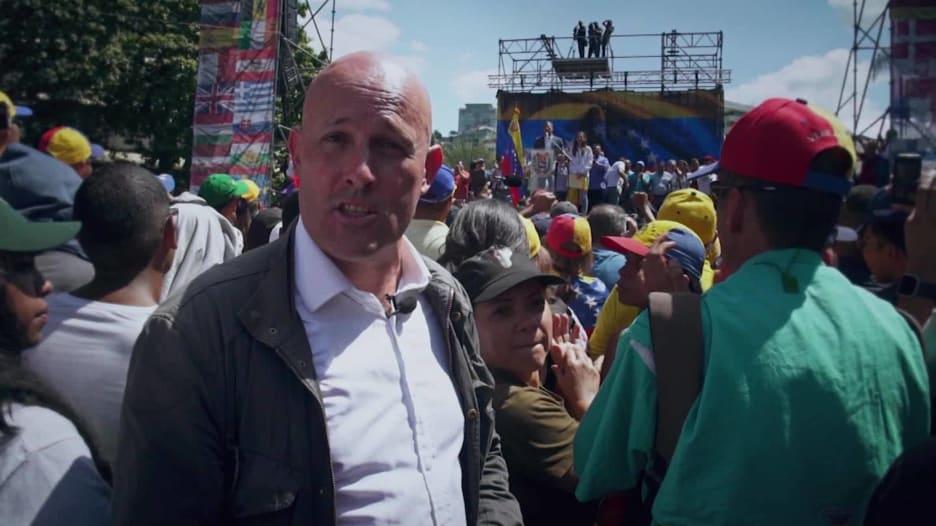 CNN تتحدث إلى عائلة خوان غوايدو مع تكشّف التاريخ بفنزويلا