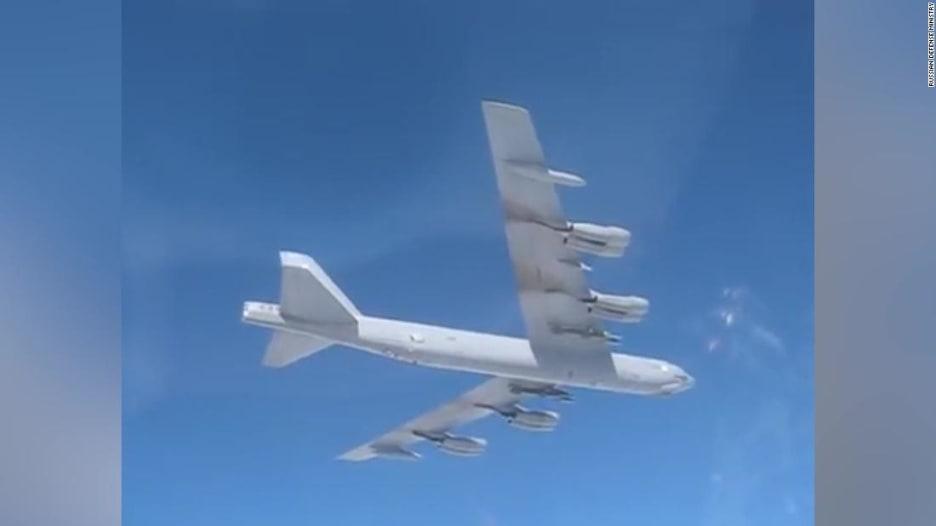 مقاتلة روسية ترصد بكاميراتها قاذفة B-52 أمريكية فوق البلطيق