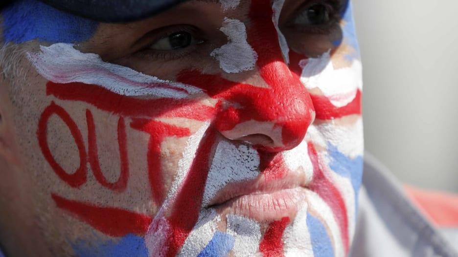 ماذا سيحدث إذا خرجت بريطانيا من الاتحاد الأوروبي دون اتفاق؟