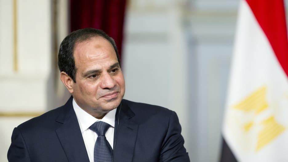 كم ستكلف حزمة الإجراءات الاجتماعية التي أقرها السيسي موازنة مصر؟