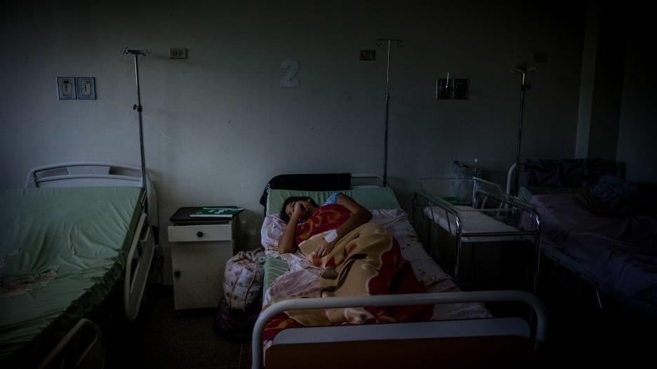 في فنزويلا.. المستشفيات أخطر من المنازل