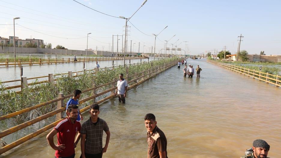 بالأرقام.. تعرف على خسائر الاقتصاد الإيراني جراء السيول