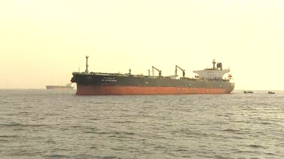 من خليج عُمان.. CNN تكشف ما حدث للسفن الـ4 قرب ميناء الفجيرة