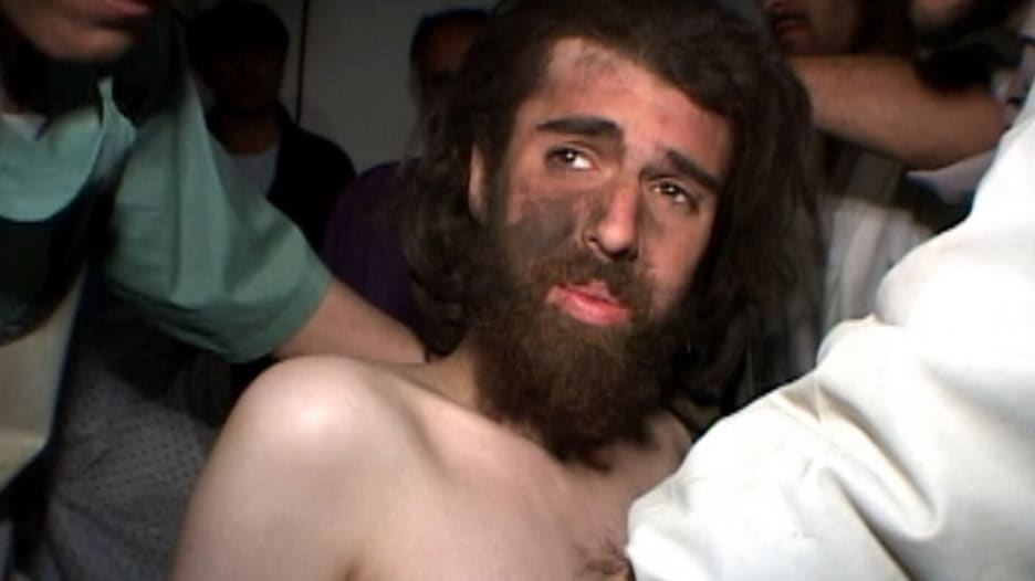 """إطلاق سراح """"طالبان الأمريكي"""" بعد 17 عاما بالسجن.. من هو؟"""