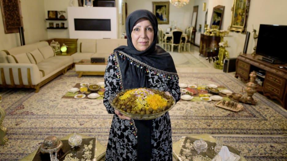 ما هو الطبق الأساسي على مادة إفطار رمضان في إيران؟