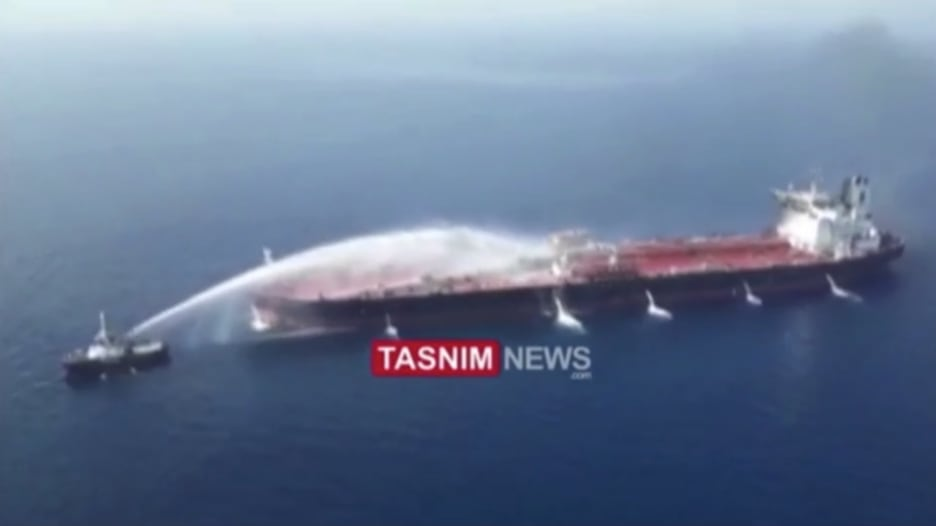 إيران تنشر فيديو لعمليات انقاذ ناقلتي النفط بخليج عمان
