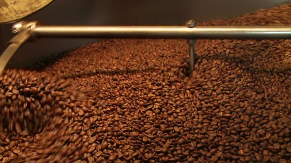 القهوة تحمي من الإصابة بالتحلّل العصبي والأمراض الجلدية