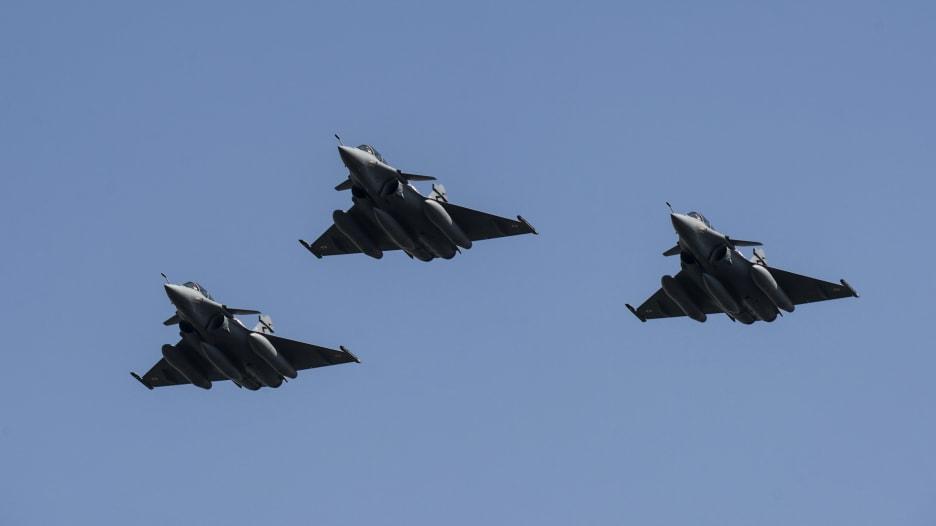السعودية ومصر من بين أكثر 10 جيوش بعدد الطائرات الهجومية