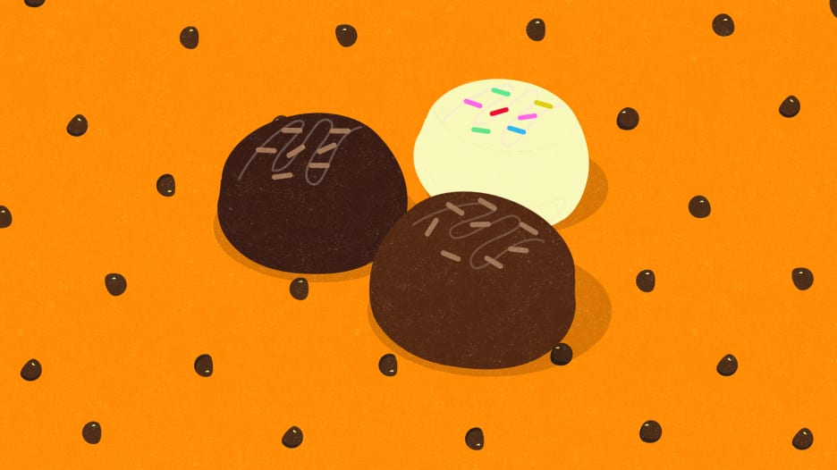 شوكولاتة متفجرة ومنها ما يتضمن حشرات.. قصص حقيقية أم خرافة؟