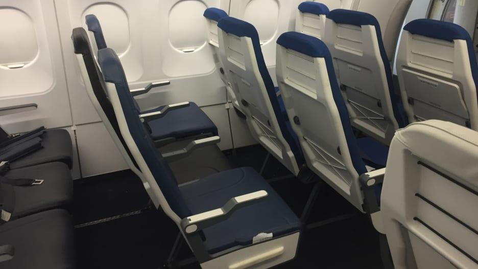 تكره المقعد الأوسط بالطائرة؟ هذا الاختراع سيحل المشكلة