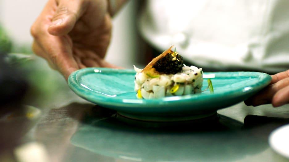 دبي على خارطة الطعام في العالم بأكلات يقدمها أفضل الطهاة