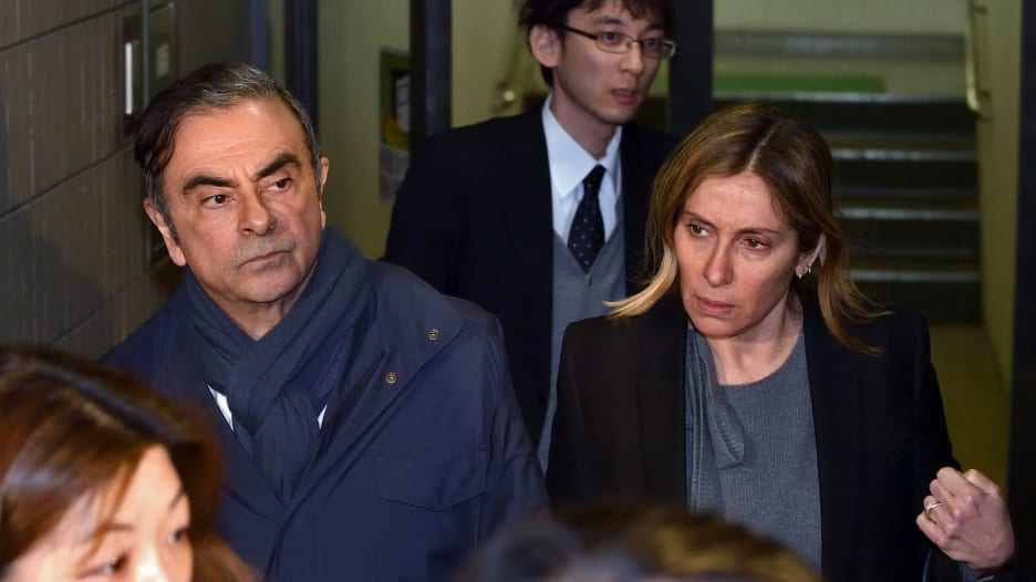 زوجة كارلوس غصن تطالب الرئيس الفرنسي ماكرون بمساعدة زوجها