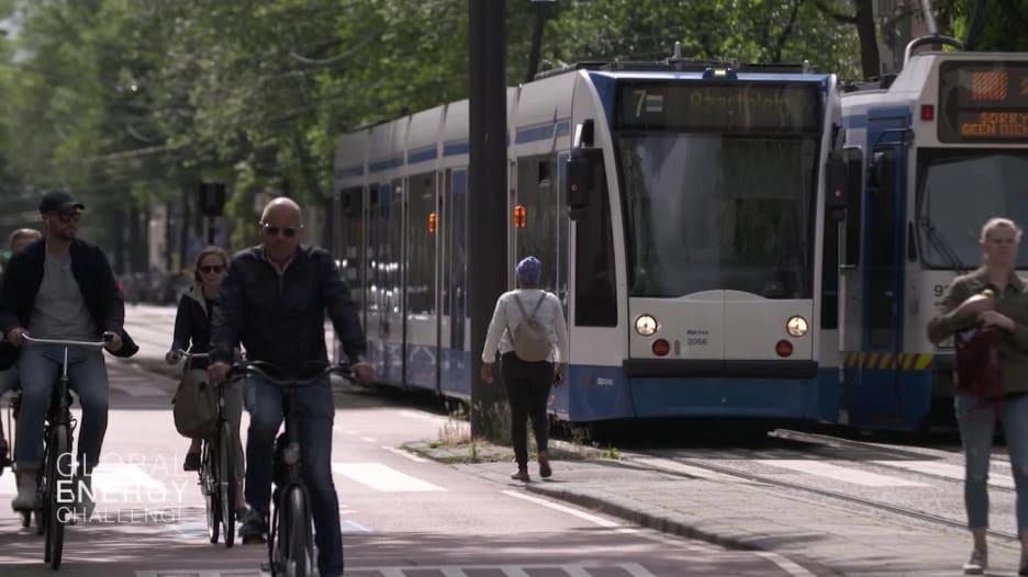 هكذا تخطط أمستردام لبناء مدينة تعتمد على السيارات الكهربائية