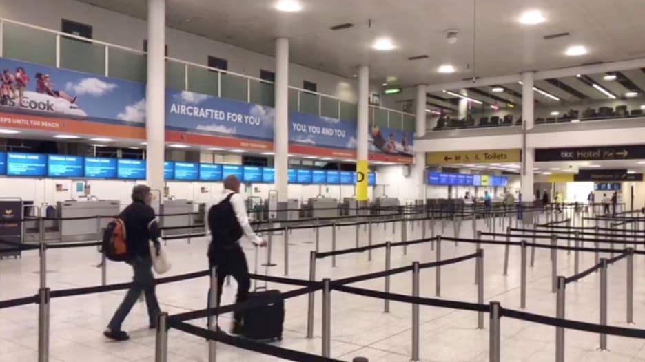 ثاني أكبر مطارات بريطانيا يخلو من المسافرين مع انهيار كوك