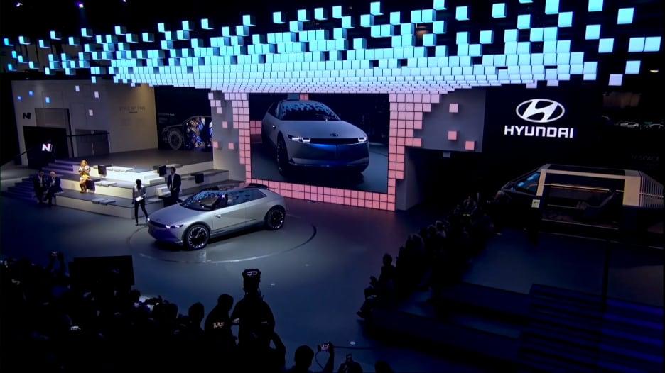 هيونداي تكشف عن سيارة نموذجية بتصميم جذاب وأخرى صغيرة للمدن