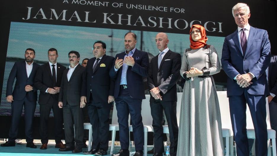 بيزوس لخطيبة خاشقجي من اسطنبول: نحن هنا وأنت لست وحيدة