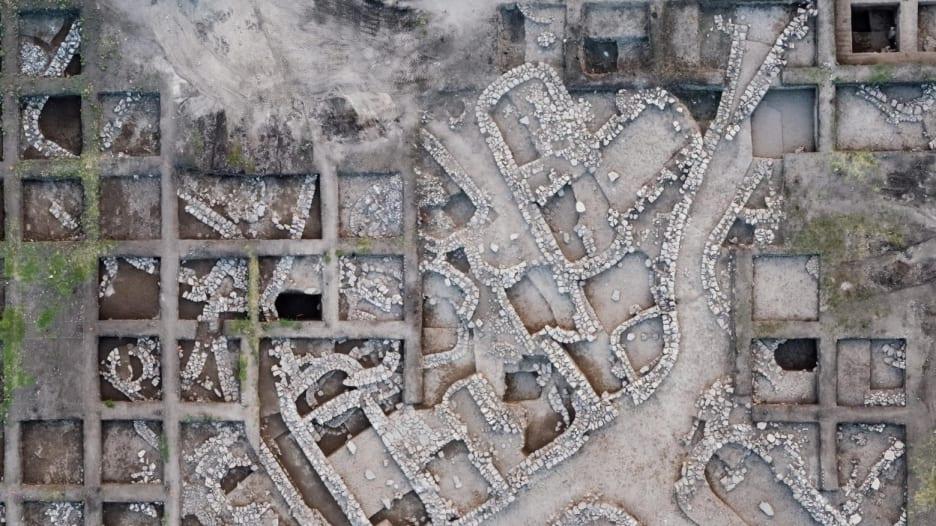 اكتشاف آثار قديمة لمدينة في إسرائيل تضم 6 آلاف شخص
