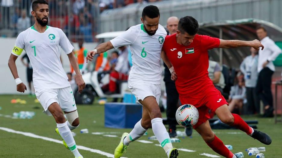 """هكذا تعادل الفلسطينيون مع السعودية في مباراة """"تاريخية"""""""
