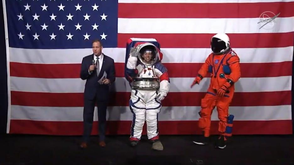 ناسا تستعرض بدلتي فضاء جديدتين.. شاهد مزاياهما
