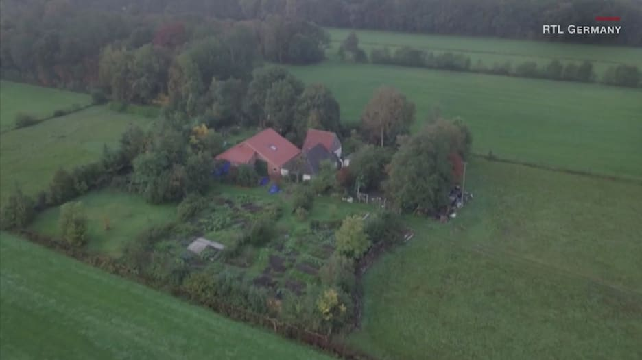 بمعزل عن العالم لسنوات.. العثور على عائلة بمزرعة في هولندا