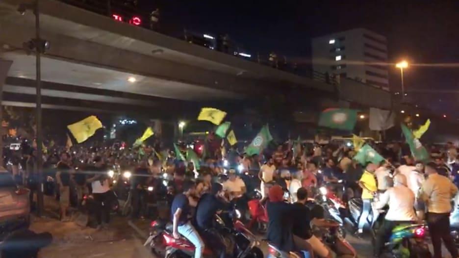 """فيديو """"لمسيرة"""" أنصار حزب الله وحركة أمل في شوارع بيروت"""