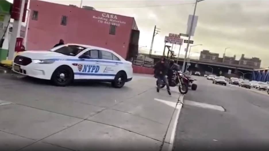 الاستهزاء بالشرطة الأمريكية.. ظاهرة غريبة تنتشر في نيويورك