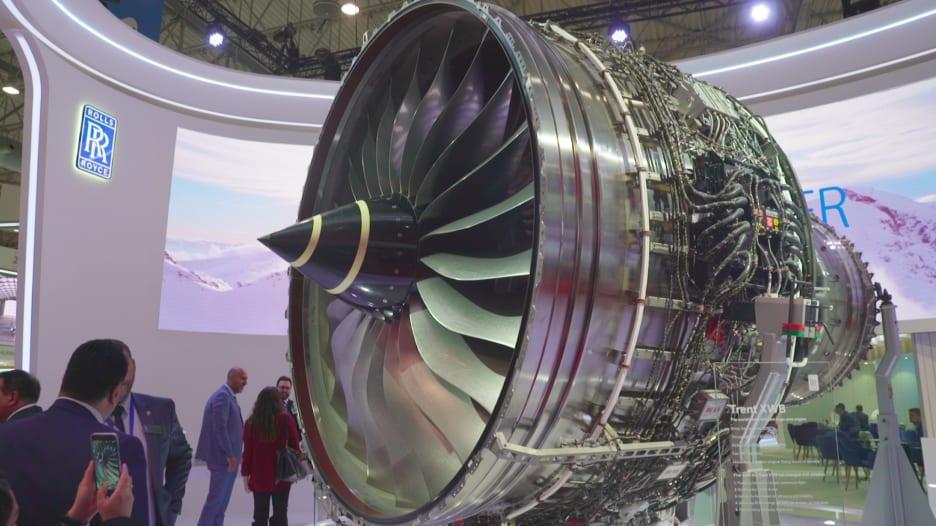 شغل أطول رحلة بالعالم.. إليكم قوة هذا المحرك من رولز رويس