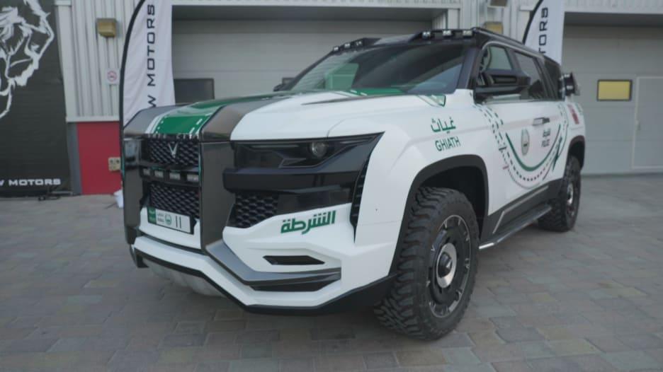 بمخبأ أسلحة و16 كاميرا.. هذه السيارة صممت خصيصاً لشرطة دبي