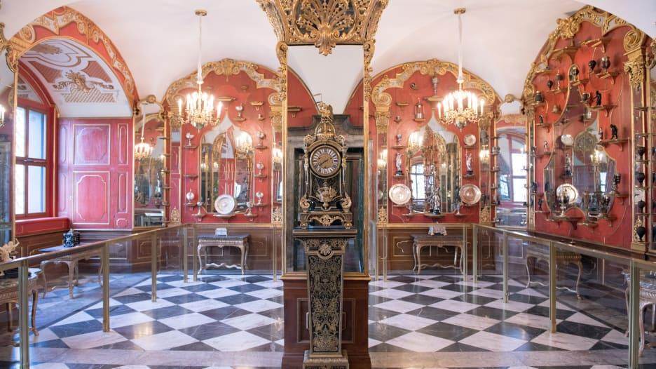 كاميرا مراقبة ترصد لحظة سرقة كنوز أشهر متاحف ألمانيا