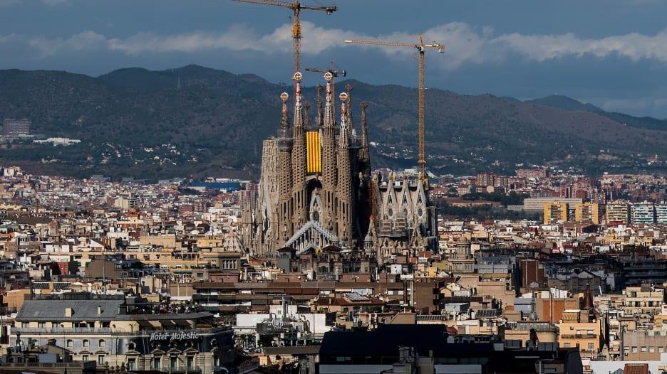 بالفاصل الزمني.. كنيسة بدأ بنائها قبل مئات السنين ولم تكتمل