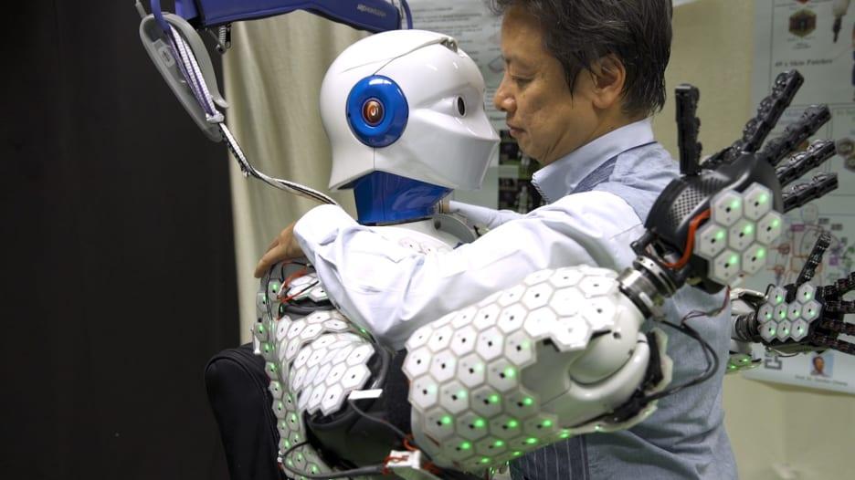جلد اصطناعي يعطي الروبوتات القدرة على الشعور مثل البشر